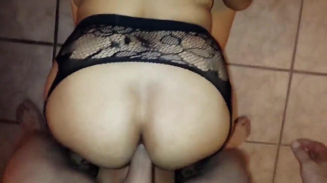 Big Ass White Girl Rides Cock